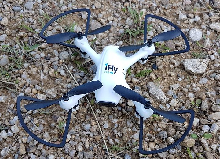 VIDEO: cum filmeaza drona Evolio iFly One HD. Plus cateva impresii