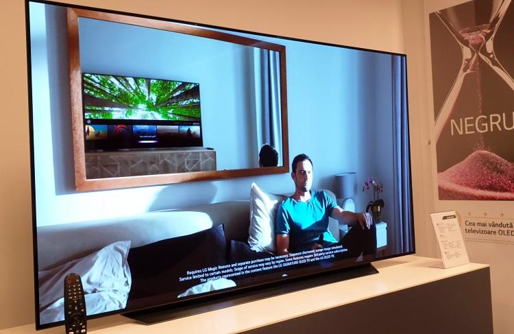 Modelul LG OLED65C9PLA din seria smart TV premium OLED 2019.