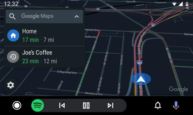 Opțiunea de navigație, îmbinată cu player-ul Spotify pe Android Auto.