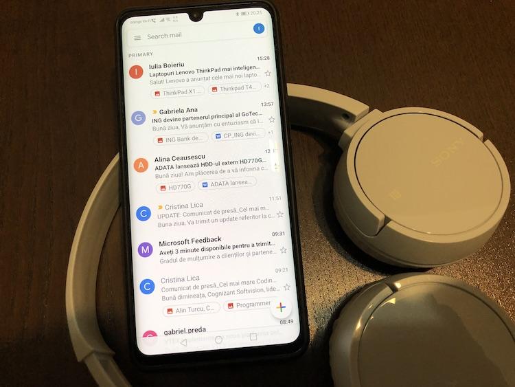 Începând cu versiunea 2019.08.18 aplicația GMAIL primește opțiunea de schimbare a conturilor prin swype.