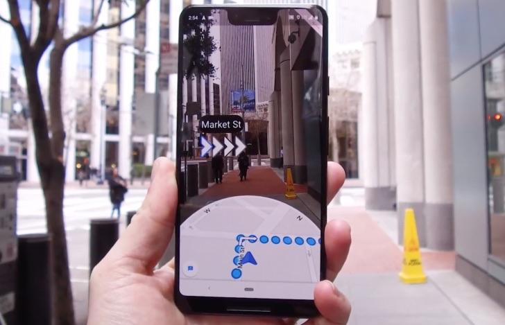 Opțiunea Live View devine acum disponibilă pentru a facilita navigația pedestră cu Google Maps.