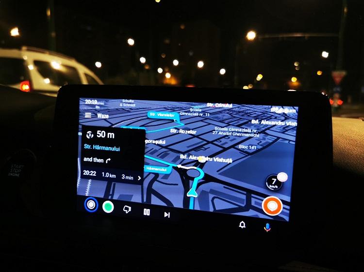 Cum instalezi Android Auto in Romania.