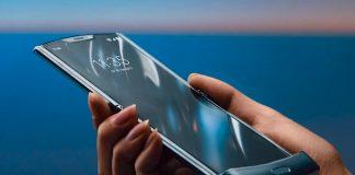 Așa arată noul smartphone Motorola Razr, modelul 2019 cu ecran pliabil. Din păcate e disponibil doar în SUA, la Verizon.
