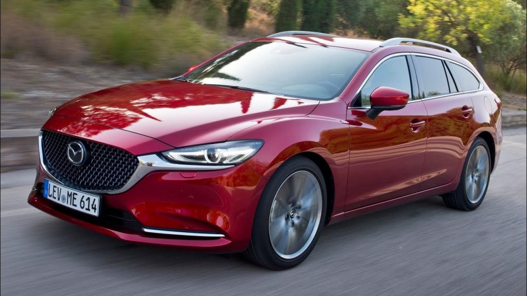 Mazda Connected Services de pe seria Mazda 2019 (sau mai veche) oferă informații în timp real despre vreme, trafic și altele, asociate locațiilor de-a lungul rutei alese.