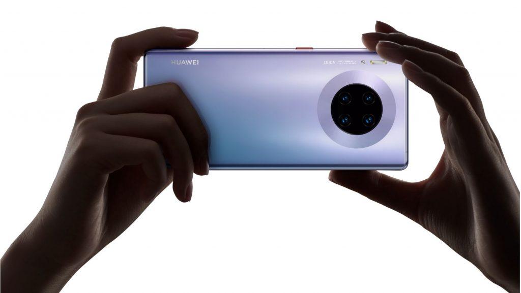 Promoție: Huawei Mate 30 Pro vine în România de la 1 februarie și beneficiază de o promoție specială în care cumpărătorii vor primi gratuit un set de căști Huawei Freebuds 3.