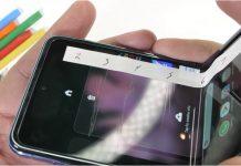 După cum probabil vă așteptați, display-ul de pe Samsung Galaxy Z Flip nu rezistă prea mult.