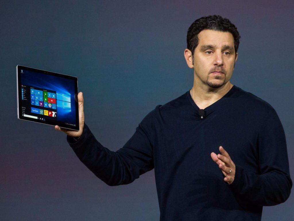 Panos Panay este acum și la conducerea diviziei Windows Experience, păstrându-și și poziția de șef al diviziei dehardware în Microsoft.
