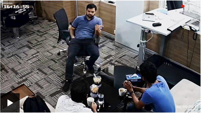Via BBC, un material video despre niște scammeri din India ce produc câteva milioane USD anual din scamming, filmați prin propriul sistem CCTV.