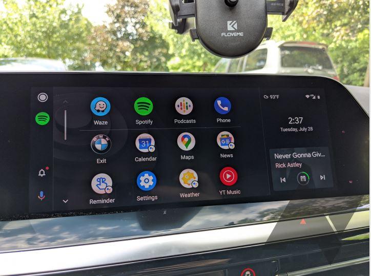 Cea mai recentă actualizare pentru infotainment-ul de pe modelel BMW de anul trecut aduce și suportul pentru Android Auto, cu sincronizare wireless.