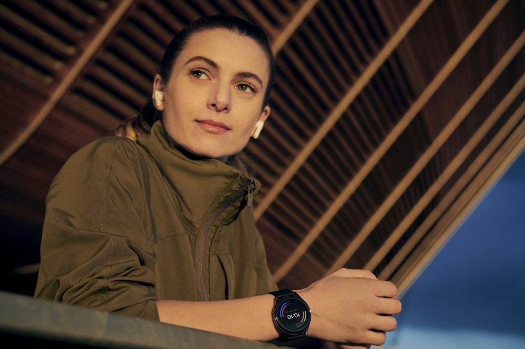 Începând cu 14 aprilie ceasul smart OnePlus Watch poate fi comandat și în România, cu un preț de 159 EUR.