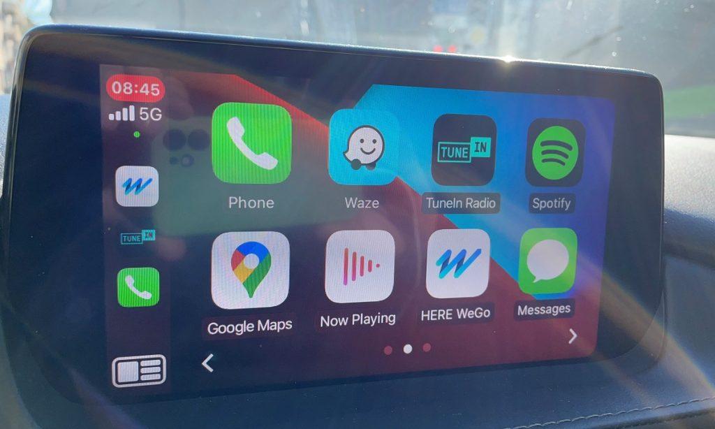 Aplicația de navigație HERE WeGo poate fi folosită cu Apple Car Play, așa că are rost să mai plătiți actualizări pentru navigația mașinii.