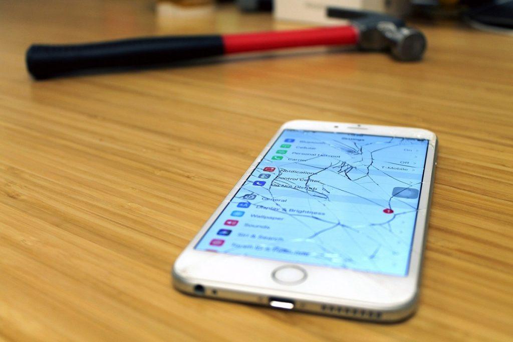 Germania propune UE ca Apple (și toți producătorii de telefoane mobile) să ofere actualizări și componente hardware timp de 7 ani pentru iPhone-uri.