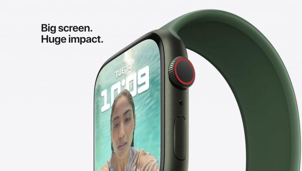 Aseară Apple a lansat cel mai nou model de ceas smart Watch Series 7, cu display mai mare și autonomie ceva mai bună.